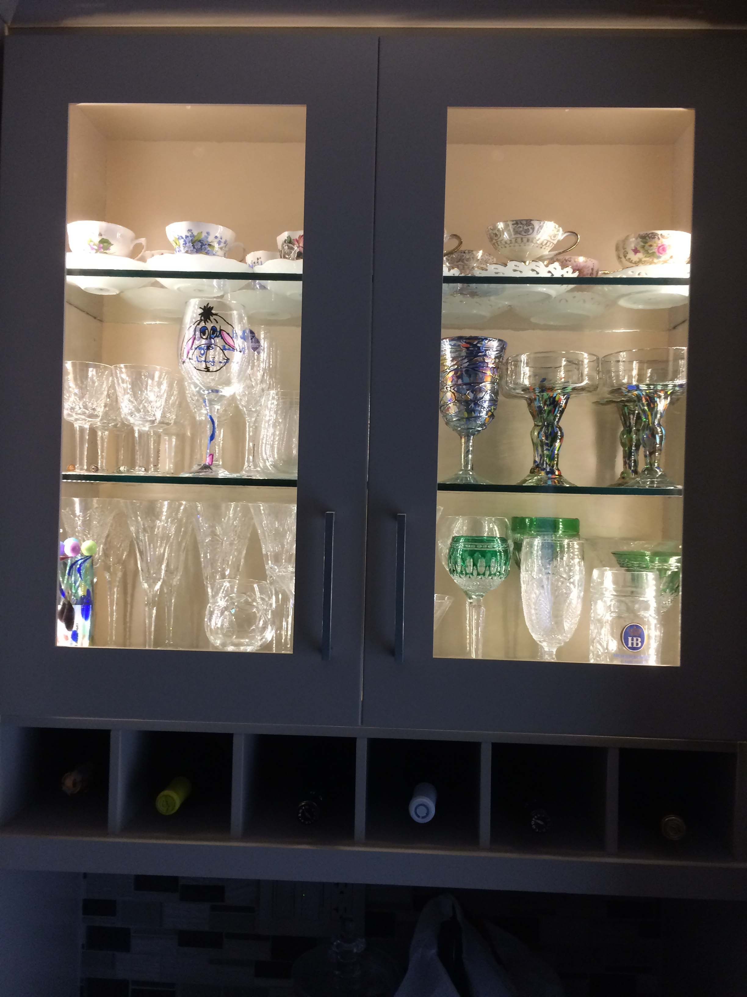 picture of a glass cabinet