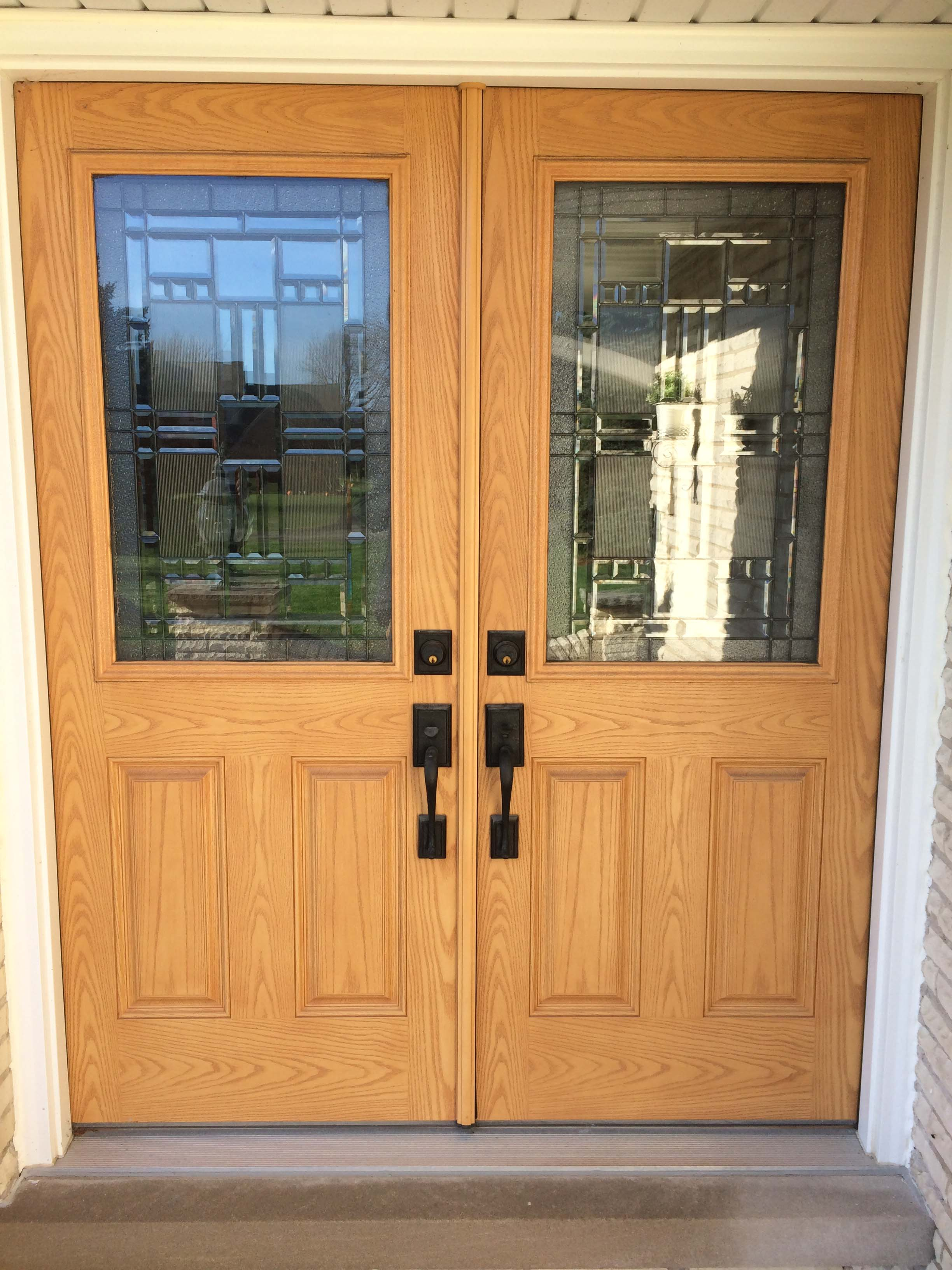 picture of double front door with glass
